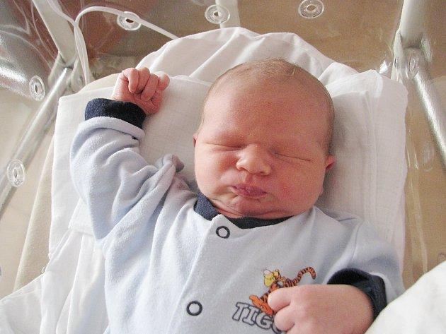 Tomáš Janda (4780 g, 54 cm) se narodil ve FN v Plzni 31. 10. V 21:14 hod. Janě Braunové a Michaelovi Jandovi ze Stříbra.