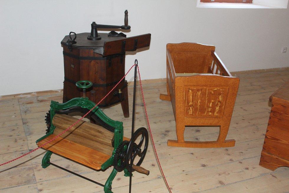 Z Vesnického muzea v Halži.