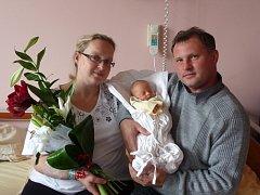 Adélka (2,94 kg, 49 cm) se narodila 13. října v 10:37 ve Fakultní nemocnici v Plzni. Na světě ji přivítali rodiče Kateřina a Miloš Hlačíkovi z Chodové Plané. Doma se na sestřičku těší Vojtěch (10).