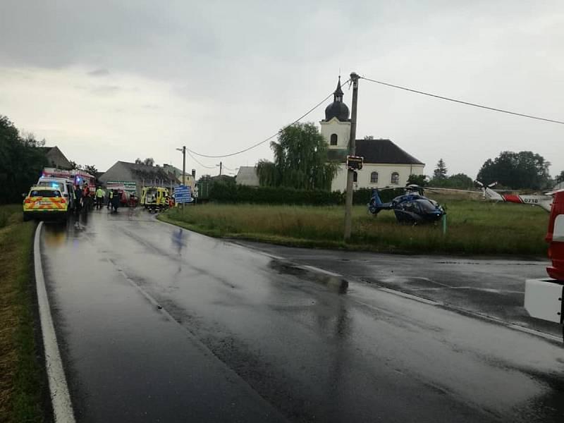 Tragická nehoda kamionu a dodávky v Tisové na Tachovsku