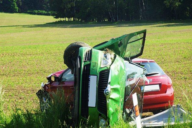 Staré Sedliště - Dnes v ranních hodinách došlo u křižovatky na Labuť k vážné dopravní nehodě.