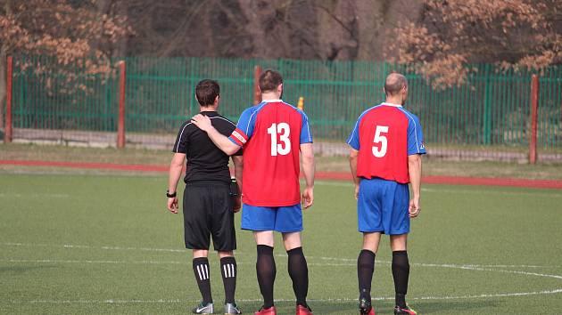 Kde je výhra? Papírový favorit turnaje v Lomu FK Planá (č. 13 Jiří Kopča, č. 5 Martin Kuchař) skončil na třetím místě.