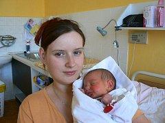 Klára Kuntová (2,90 kg, 51 cm) přišla na svět 21. 3.ve 23.30 hod. v Mulačově nemocnici. Rodiče Jitka Dubová a Petr Kunta z Erpužic a sourozenci Štěpánka (9), Lenka (9) i Toník (7) mají z novorozené holčičky velikou radost.