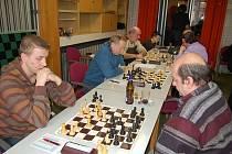 Šachisté Tachova remizovali s Přešticemi 4:4.