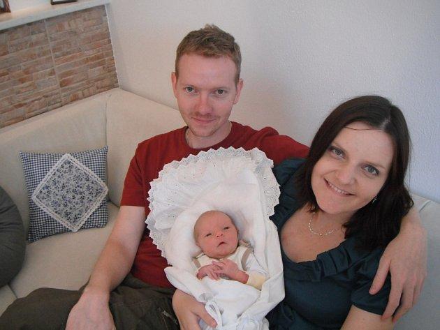 Tomášek  Tóth  se narodil Michaele Tóthové a Tomášovi Tóthovi, 4. července  v Lochotínské porodnici, ve 21:04, s váhou 3060g a délkou 48cm.