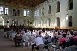 Jízdárna ve Světcích zažila koncert Dagmar Peckové.