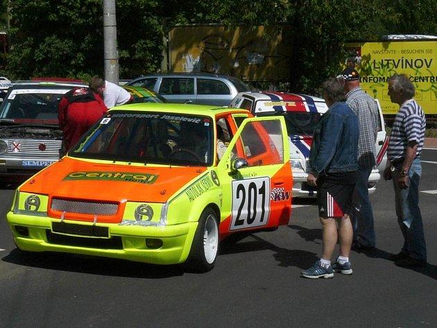 JUB team jezdí zatím bez Petra Bělohlávka, který dokončuje přestavbu auta