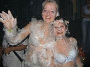 Ve stříbrském Matrixu se poprvé představila pěnová párty.