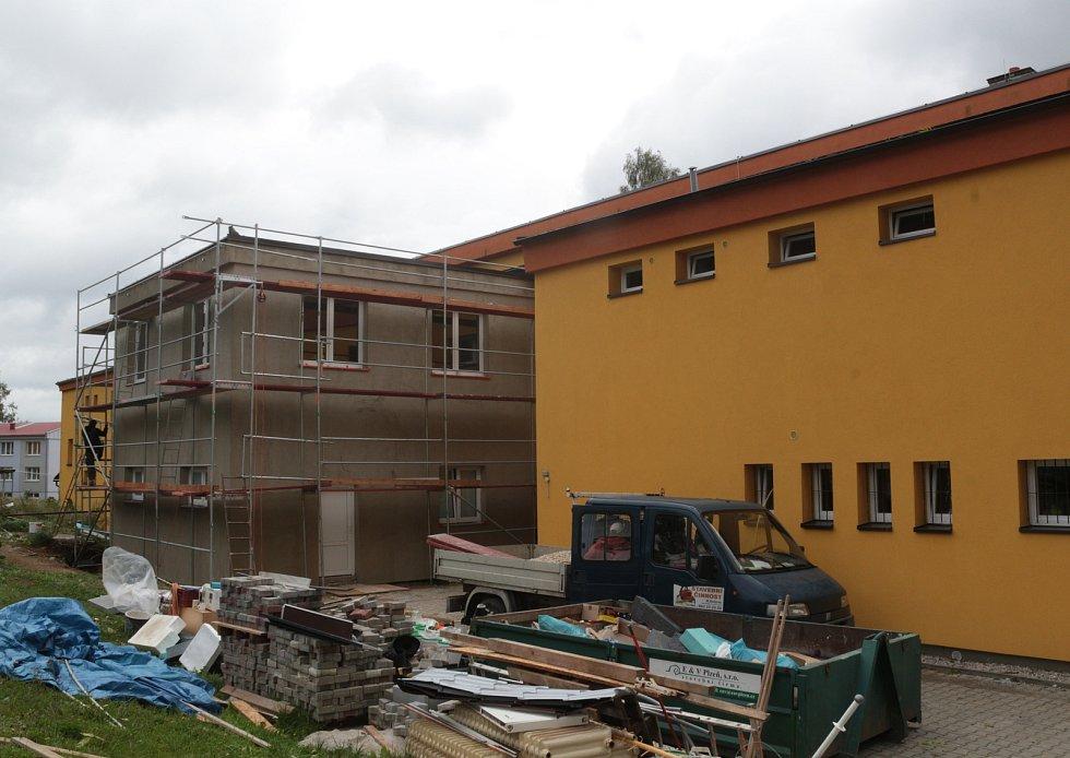 Nová třída žákům už slouží, přístavba škole pomohla