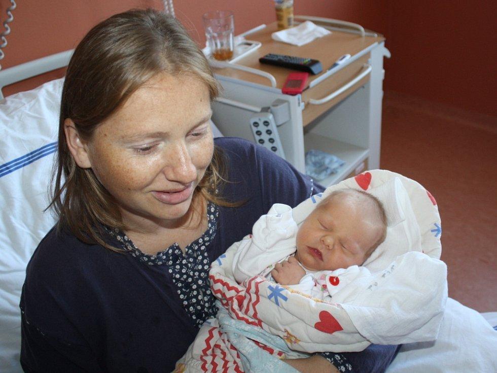 Ivana Holá z Ošelína (2835 gramů, 46 cm) se narodila v klatovské porodnici 2. září v 8.24 hodin. Rodiče Irena a Josef věděli dopředu, že Eliška (7) a Kateřina (3) budou mít sestřičku.
