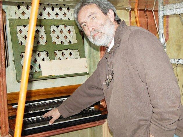 Po šestiletém restaurování se znovu rozezní vzácné varhany