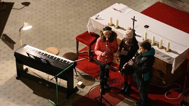 Z vánočního koncertu ZUŠ Planá.