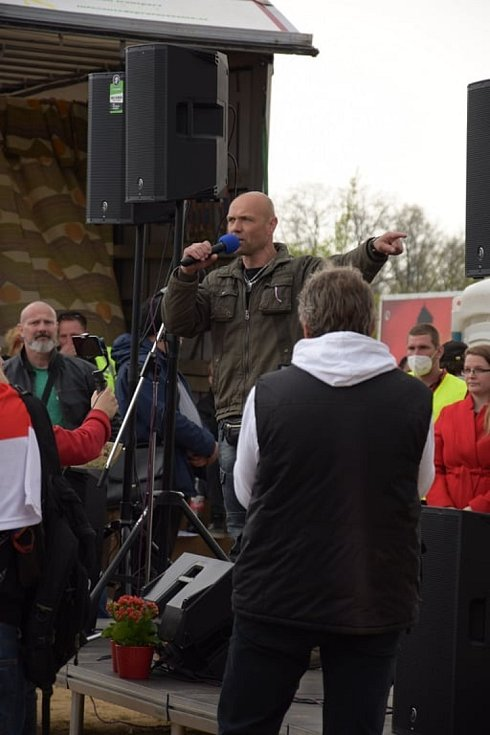 Demonstrace na Letné, 1. května.