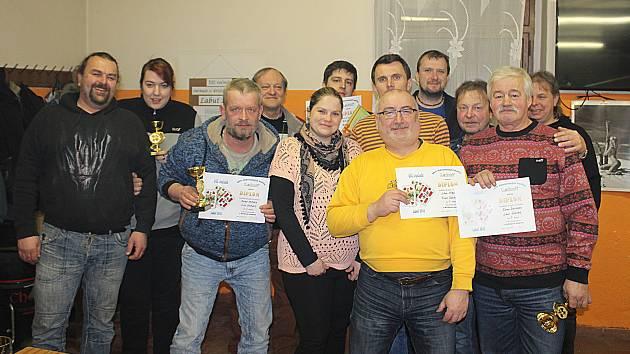 Účastníci turnaje křížové sedmy v Labuti.