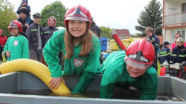 SOUSTŘEDĚNÍ lze vyčíst z tváří mladých hasičů ze Ctiboře.