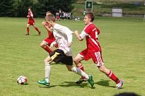 O PÁTÉ MÍSTO. Fotbalisté ze Všerub na Domažlicku a z německého Dienheimu se utkali o konečné páté místo v turnaji. To si vybojovali hráči ze Všerub.