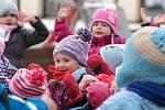 Děti všech čtyř tříd mateřinky si připravily pro rodiče vánoční vystoupení.