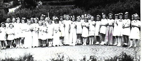 Třída dívek. Snímek je zprvního příjímání asi vroce 1948.