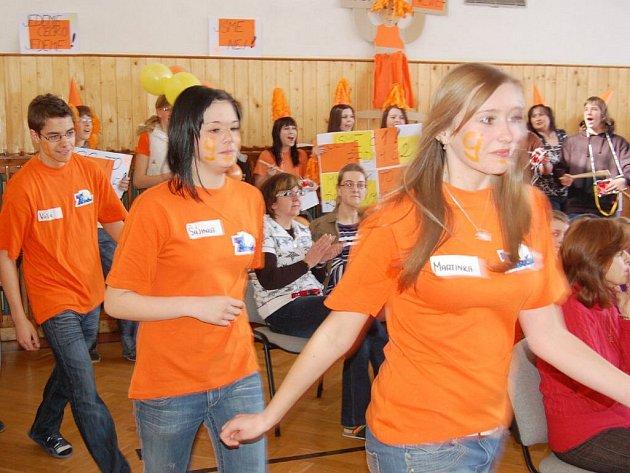 Školním kolem v tělocvičně Základní školy Zárečná v Tachově začala série školních kol vědomostní soutěže Rubikon