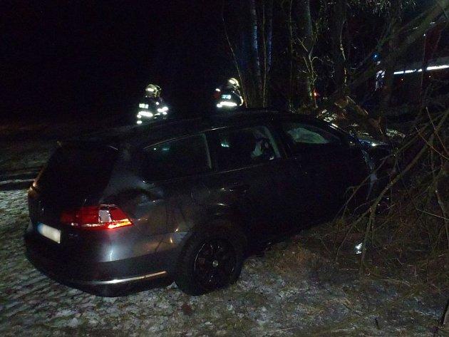 Nedělní dopravní nehoda u Žebráků.