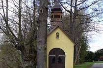 Kaplička u Olšového rybníka v Brance.