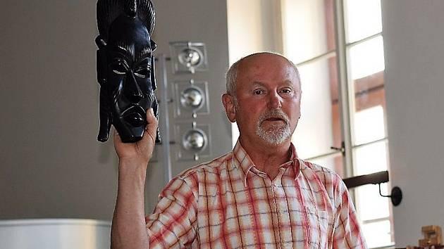 Námořník, cestovatel a spisovatel Jiří Frank vyprávěl v sále kladrubského muzea o pirátech a Karibiku.