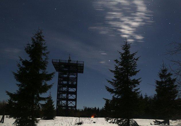 Horští záchranáři Mountain Rangers drželi pravidelnou službu ivnoci na Nový rok.