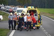 U Bezděkova havaroval motorkář. Utrpěl těžká zranění