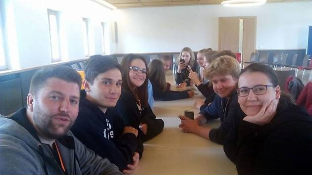 Studenti Gymnázia Tachov se zúčastnili vzpomínkového setkání v koncentračním táboře Flossenbürg.