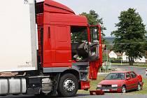 V sobotu dopoledne se v Benešovicích stala dopravní nehoda, byli zraněni dva mladí lidé.