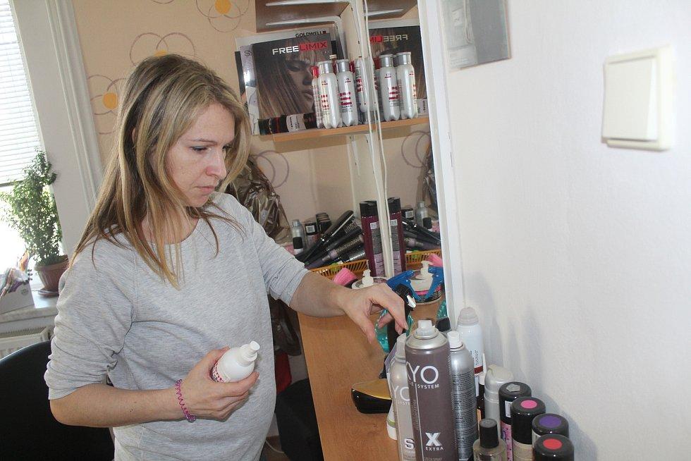 Monika Nejedlá věnovala poslední dny přípravě salónu na znovuotevření.