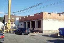 NOVÁ BUDOVA ÚŘADU. Obecní úřad v Brodu nad Tichou se po přestavbě přestěhuje do objektu bývalého obchodu.