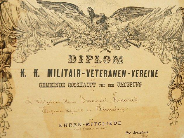 Hledáme potomky, informace Emanuela Šimánka z Diany, kterému byly uděleny dva diplomy vojenskými veteránskými spolky.