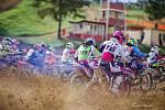 Hlavní závody MX1 a MX2 ve Stříbře vyhráli Smola a Venhoda.