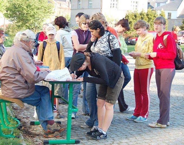 Nejvíce návštěvníků za poslední tři roky se v sobotu zúčastnilo jedné z největších turistických akcí v Plzeňském kraji, turistického pochodu Plánská 50