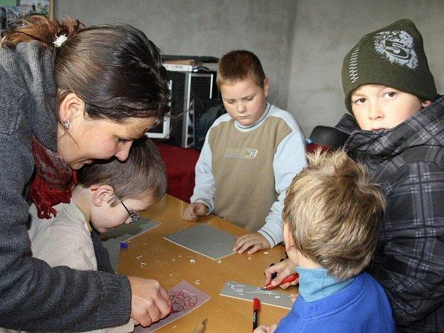 V sobotu bylo ve Víchově otevřeno komunitní centrum Kovárna. Je určeno pro setkávání a aktivity místních občanů.