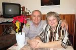 JANA A BEDŘICH DUŠKOVI ZE STŘÍBRA oslavili šedesát letspolečného života.
