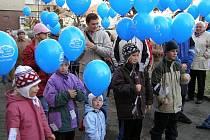 Kladrubští vypustili 314 balónků s přáníčky.