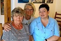 Tři autorky vystavují v Černošíně.