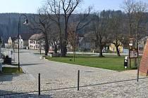 Regenerace centrální části obce Svojšín.