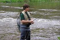 Mistrovství České republiky juniorů v lovu ryb na udici na umělou mušku se konalo na řece Mži v Milíkově.