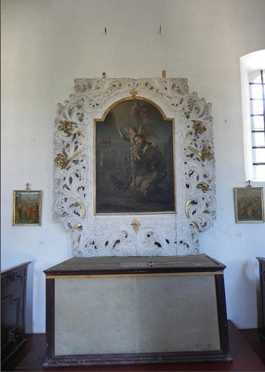 Interiér kostela.