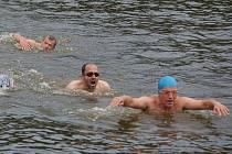 Startoval desátý ročník Výrovského triatlonu, menší účast poznamenalo počasí