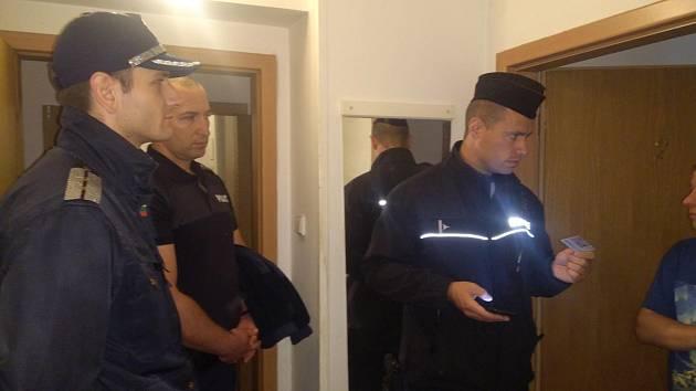 Čeští a bulharští policisté hlídkují na Tachovsku.