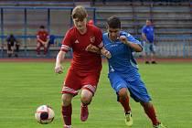 Momentka z utkíní III. třídy tachovského okresu mezi rezervami FK Tachov a FK Planá, v níž domácí vyhráli 4:0.