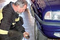 Fronty na výměnu pneumatik se zatím v pneuservisu Boško v Tachově netvoří. Podobná situace je i v jiných servisech v regionu.