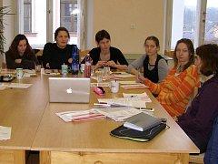 Seminář o slaďování rodinných a pracovních povinností se konal ve stříbrském domě dětí.