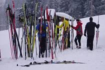 MOMENTKA z loňského ročníku česko-bavorského veřejného lyžařského běhu.