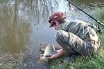 Matěj Houška na rybolovu