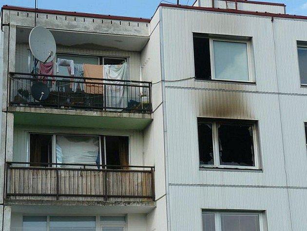 K tragickému požáru vyjížděli v pondělí kolem páté hodiny odpolední záchranné složky v Tachově.